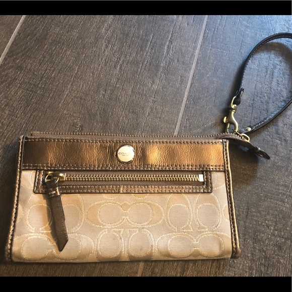 Coach Handbags - Authentic COACH wristlet wallet